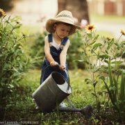 Mensch und Natur: Der Garten bildet die Möglichkeit Respekt vor der Natur zu erlernen