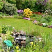 Regelmässige Gartenpflege steigert die Freude