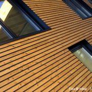 Bild zeigt ein Holzhaus in modernem Design