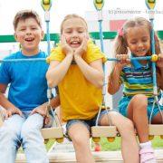 Spielplatzgeräte damals und heute: Balancieren, reiten – fliegen…
